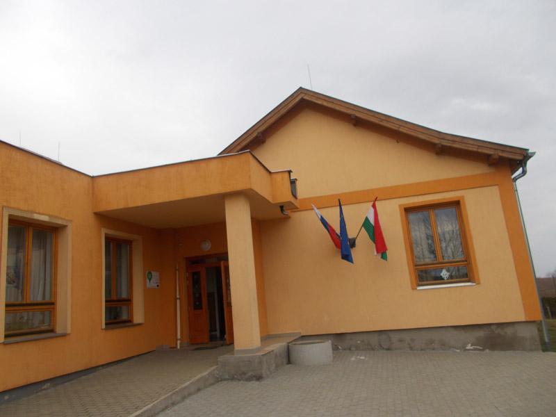 apáti iskola
